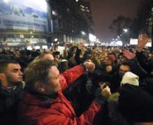 Борьба с коррупцией пошла в народ. Что стоит за идеей президента Румынии провести референдум