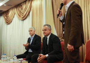 «Аонуйдет сбарсеткой или без?». Демократ Константин Ботнарь сдал депутатский мандат