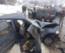 В результате тяжелой аварии у села Бардар погибли мужчина и ребенок