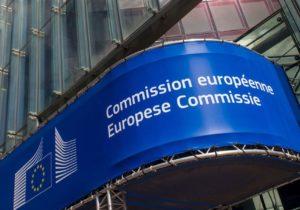 Еврокомиссия назвала отставку правительства «тревожным сигналом»