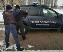 Погранполиция обнаружила два транспортных средства споддельными номерами
