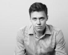 «Молдова была ключевым транзитным пунктом в схемах отмывания денег». Журналист-расследователь «Новой газеты» Роман Анин рассказал NM о связи «Ландромата» и «кражи века»