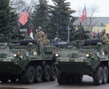 Социалисты обещают встретить технику НАТО шквальным яйцом