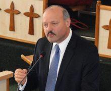 Крестный подход. ЦИК Молдовы откроет участки в США при баптистских церквях. При чем здесь кандидат Гилецки?