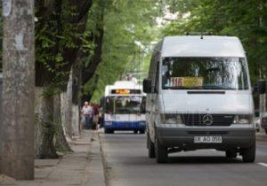 ВКишиневе владельцев маршруток освободили отналогов