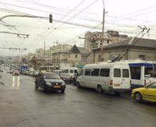 Мэрия изменила маршруты 11 микроавтобусов и одного автобуса