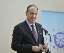 «Хорошо, что неотбешенства». Всоцсетях обсудили заявление посла Румынии овакцинации молдаван от«примитивного молдовенизма»