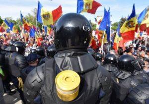 NM Espresso: s-ar putea întâmpla o «revoluție colorată» în Moldova, cine l-a fluierat pe Usatîi și prin ce este periculoasă administrarea în masă a antibioticelor