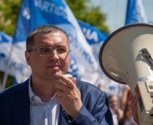 Ренато Усатого объявили вмеждународный розыск. Что обэтом говорит его адвокат