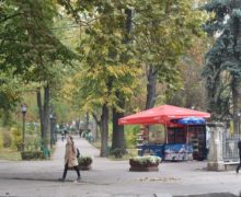На улицах Кишинева снова появятся киоски с мороженым, напитками и выпечкой