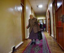 Пенсионерам с маленькой пенсией помогут платить за электроэнергию. Таких в Молдове — больше 300 тысяч