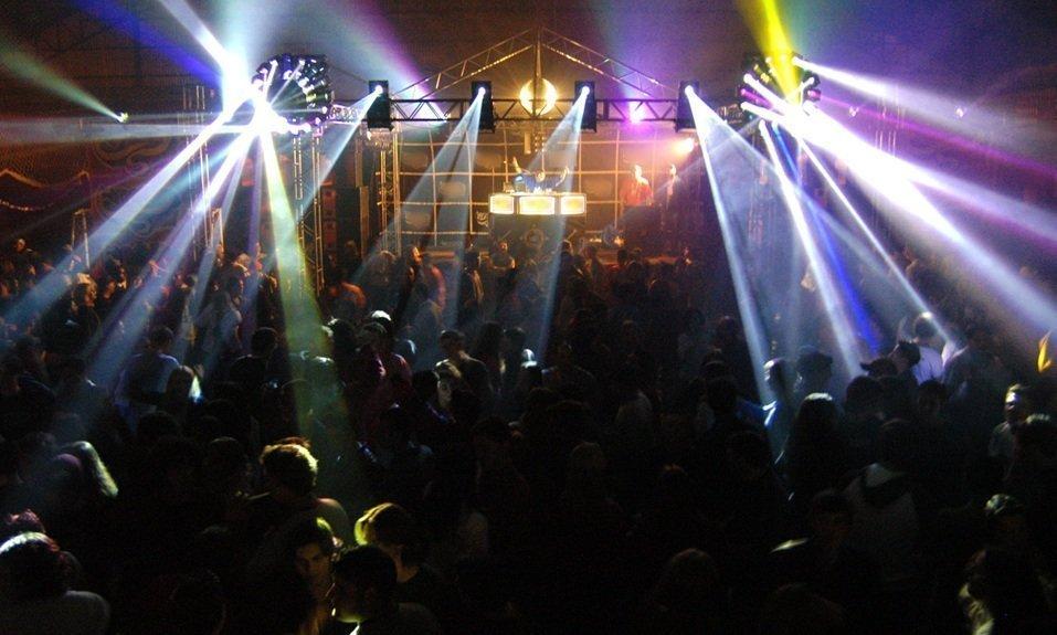 Ночные клубы борисова бесплатные ночные клубы москвы