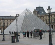 Лувр возобновил работу после карантина