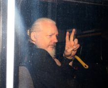 Прокуратура Швеции закрыла дело против Джулиана Ассанжа
