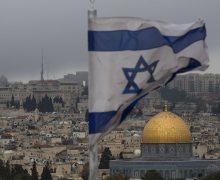Израиль закрывает авиасообщение совсеми странами из-за нового штамма коронавируса