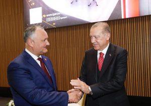 «Это внутренние дела Турции». Додон обосвобождении турецких учителей, высланных изМолдовы