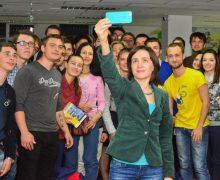 Если не Майя, то кто? Зачем молодежь идет в PAS,   и какой они видят Молдову