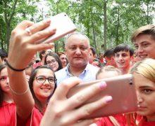 Cine, dacă nu Dodon? Tinerii socialiști povestesc, de ce au intrat în politică și cum văd ei viitorul Moldovei