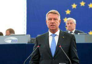 «Вотум против Молдовы». Клаус Йоханнис оботставке правительства Санду