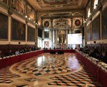 Венецианскую комиссию спросить забыли. Это главная претензия комиссии к поправкам к закону о ВСМ