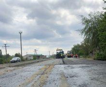 Ремонт дороги Кишинев-Унгены-Скулены выполнен на 60%. Подрядчики платят штрафы за задержку