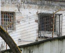 По ком тюрьма плачет. Омбудсмен потребовала наказать тюремщиков, не пускающих адвокатов к Платону