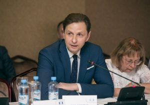 Госсекретарь МИДЕИ Кульминский подал в отставку