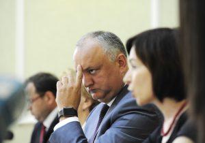 NM Espresso: о статистике COVID в Молдове и других странах, рейтингах Додона, Санду и Кику, и о «сгоревших» турпутевках