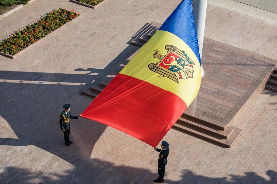 Правительство отмечает День памяти жертв тоталитарных режимов. Додон поздравляет Комрат сосвобождением отфашистов