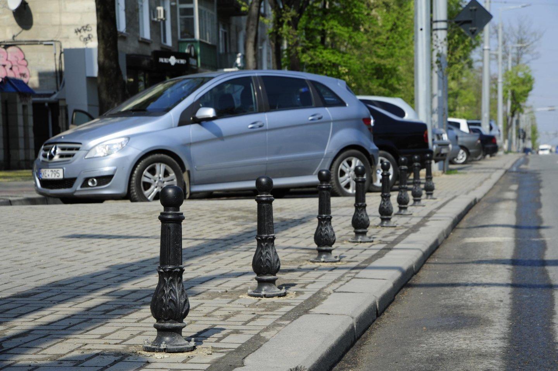 ограничительные столбики на тротуарах