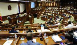 Бывший министр здравоохрания стала депутатом. Кто еще стал членом парламента