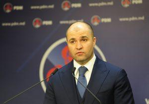 Прокуроры провели обыск в доме Владимира Чеботаря