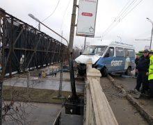 Дорожная полиция: В Кишиневе правила дорожного движения чаще всего нарушают водители маршрутных микроавтобусов
