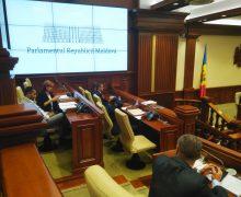 Додон сообщил, что прокуроры придут в парламент. Ранее стало известно о планах арестовать Чеботаря