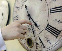 Молдова перейдет на зимнее время. Правительство не одобрило отказ от сезонного перевода часов