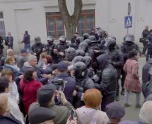Когда полиция Молдовы вправе использовать слезоточивый газ. Водном видео