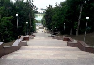 NM Espresso: об открытии в Молдове магазинов и парков, скандале вокруг российского кредита и новом курсе КС