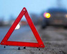 В Кишиневе на Ботанике произошла серьезная авария. Среди пострадавших —  водитель службы такси