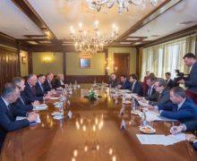 Жми на газ. Что Додон и Брынзан обсуждали в Москве с Козаком
