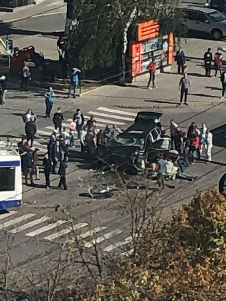 ВКишиневе троллейбус въехал втолпу людей после столкновения савтомобилем. Пострадало 20 человек (ОБНОВЛЕНО)