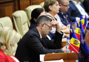 «Это давнее решение». Александр Ботнарь ушел изДемпартии ипарламента