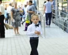 В Кишиневе за один день в школу записали 2,3 тыс. первоклассников. Родители подавали заявления онлайн