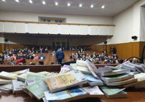Спротестом, нобез кворума. Собрание судей вКишиневе несостоялось