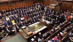 Брексит затягивается. Парламент Великобритании отменил намеченное голосование по этому вопросу