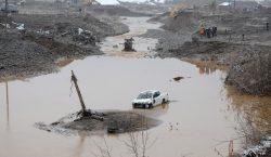 Из-за прорыва дамбы на золотодобывающем прииске в Красноярском крае погибли…