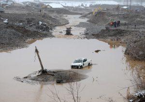 Из-за прорыва дамбы на золотодобывающем прииске в Красноярском крае погибли 15 человек. Объявлен траур