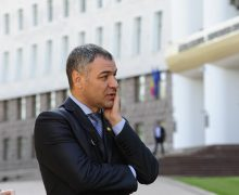 Депутат Октавиан Цыку подписал вотум недоверия правительству Кику