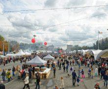 День вина в центре Кишинева посетили более 70 тыс. человек