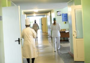 Правительство одобрило увеличение пособий для молодых врачей ифармацевтов