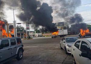 В Мексике наркокартель осадил город из-за ареста сына Эль Чапо. Полиция отпустила мужчину